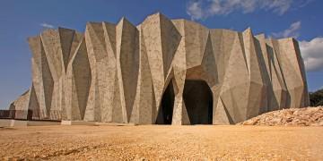 Caverne du Pont d'Arc : le béton comme support culturel