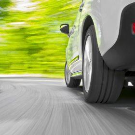 Revêtements routiers et consommation de carburant : les atouts du béton.