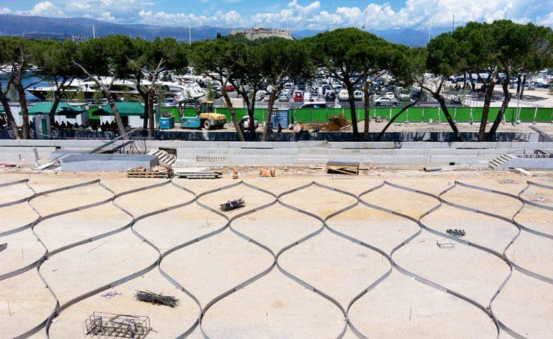 Esplanade du pr des p cheurs antibes en b ton d sactiv for Agence aps paysage