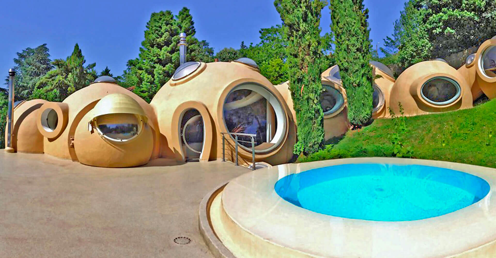 Maisons bulles en b ton et la villa roux bybeton for Maisons bulles