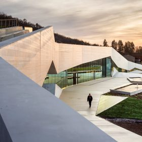 Centre international de l'art pariétal Lascaux IV - Architecte Snohetta ©Luc Boegly & Sergio Grazia