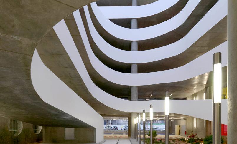 Un parking silo à Grenoble / Cabinet Grudzinski et Poisay Architectes © Agence Grud