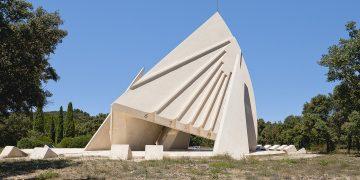 Julien Lelièvre, conjuguer l'autoroute et le design béton
