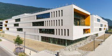 Centre d'Ingénierie Hydraulique d'EDF : le choix du béton blanc